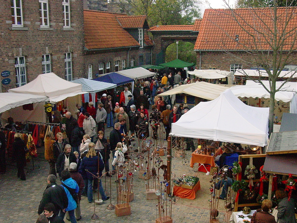 50. Kunsthandwerkermarkt im Engelshof am 6. + 7. April 2019