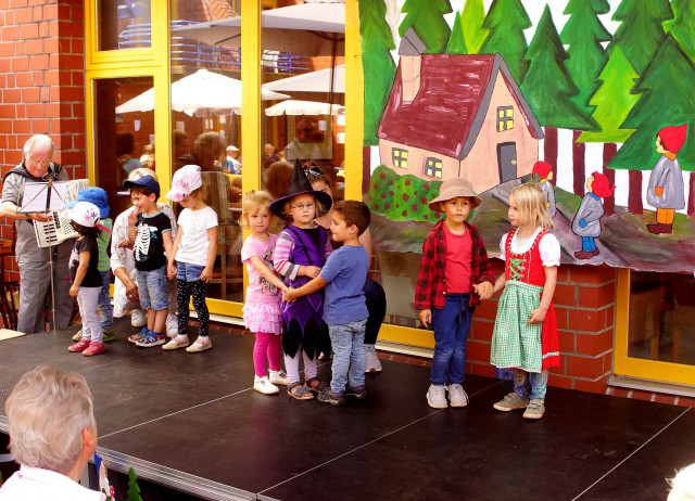 Hänsel und Gretel am Urbacher Altenzentrum
